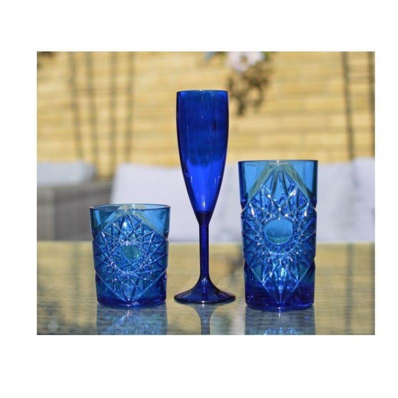 blue_champagne_flutes