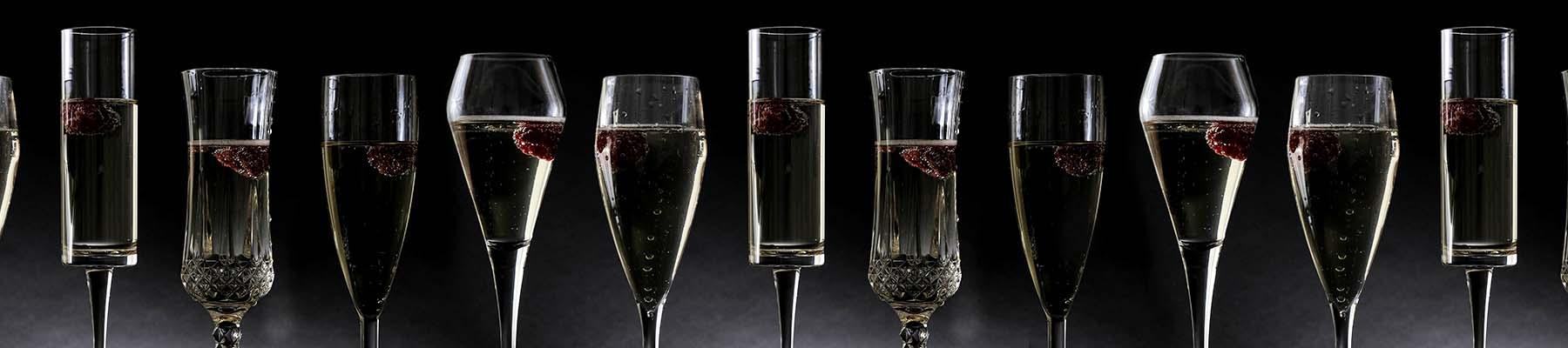 Champagne Plastic Glassware Banner 2